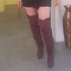 Above-the-knee Burgundy Suede Boots
